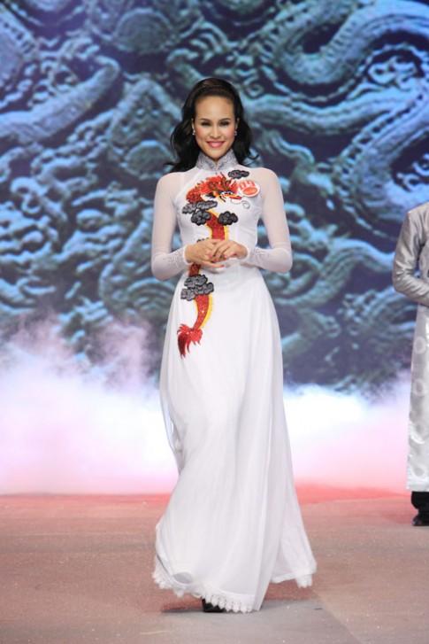 Cúp vàng Siêu mẫu 2012 đã có chủ