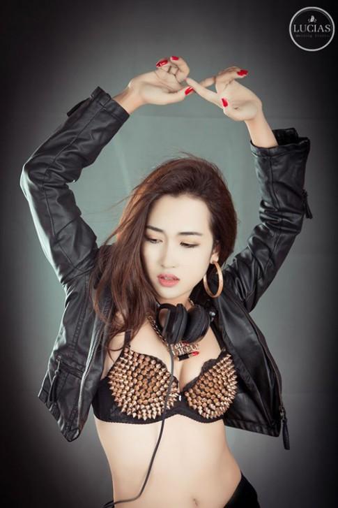 DJ Trang Moon: 'Có lúc chỉ uống sữa, nước để giảm cân'