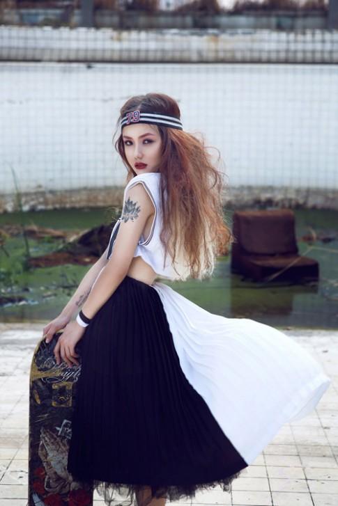"""Em gái ca sĩ Phương Linh hóa """"nữ hoàng nổi loạn"""""""