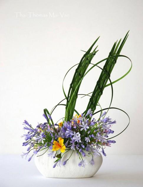 Giảng viên gốc Việt dạy cắm hoa vinh dự trên báo Pháp