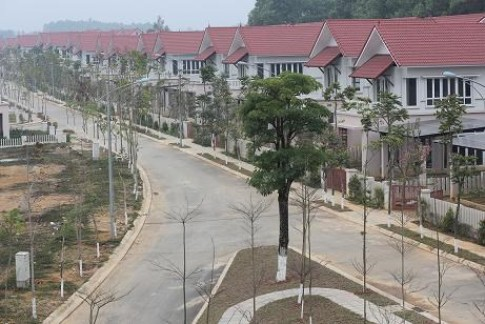 """Hà Nội: Lượng chung cư """"khủng"""" đổ bộ, hết """"cửa"""" tăng giá"""