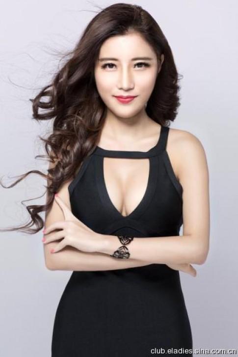 Hành trình nữ sinh 9X nâng vòng 1 thi Hoa hậu Ngực đẹp
