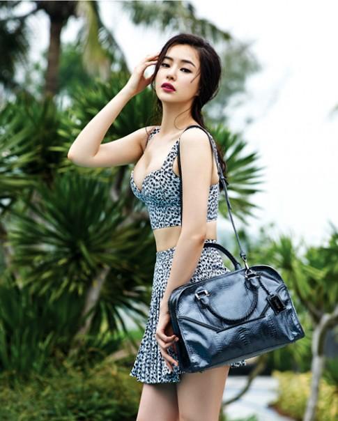 Hoa hậu đẹp nhất Hàn Quốc khoe đường cong ở Đà Nẵng