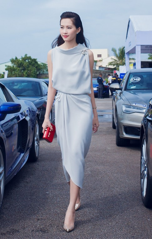 Hoa hậu Thu Thảo kín đáo vẫn gợi cảm hút hồn
