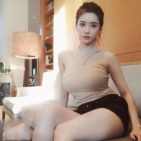 Hot girl Han Quoc noi nhu con vi duong cong goi cam