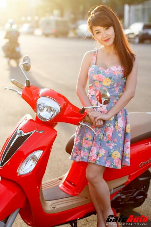 Kymco Many Fi so dáng cùng Hotgirl Linh Napie