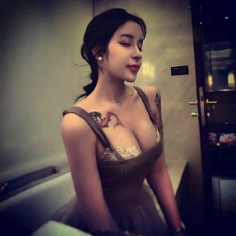 Làn sóng hút mỡ, nâng ngực của thiếu nữ châu Á