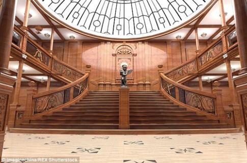 Lóa mắt tàu Titanic triệu đô phiên bản nhái ở Trung Quốc