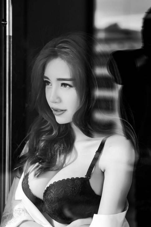 Loạt kiều nữ Việt đẹp mê hồn với tóc xoăn lọn