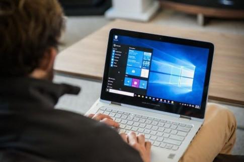 Lượng người dùng Windows và Facebook gần bằng nhau