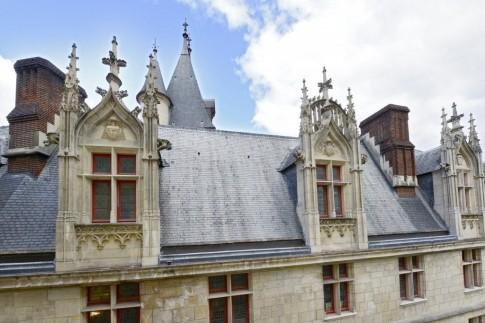 Mãn nhãn căn hộ hai tầng có góc nhìn đẹp nhất Paris