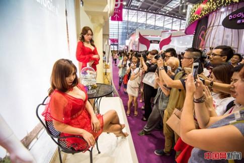 Mẫu nội y đổ bộ hội chợ đồ lót lớn nhất châu Á