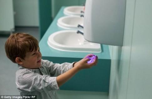 Máy sấy tay - nguồn phát tán mầm bệnh