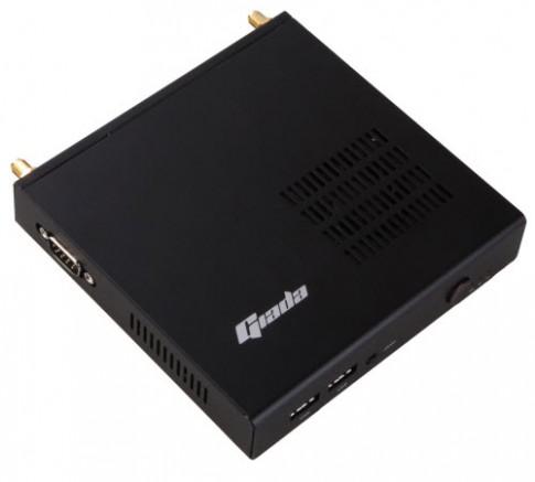 Máy tính nhỏ gọn trong lòng bàn tay: Core i7, RAM 8GB