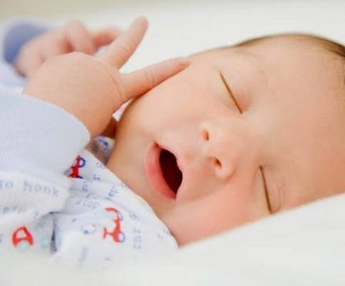 Mẹo rèn trẻ sơ sinh ngủ ngoan xuyên đêm, không quấy khóc