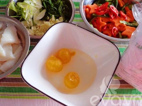 Mực xào trứng muối lạ miệng mà ngon cơm