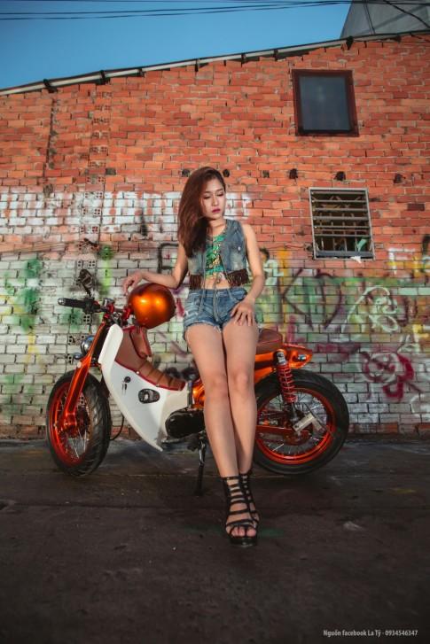 Nguoi Mau Huong Nguyen Do Dang Chan Sai Cung xe Cub Do Tp.Hcm