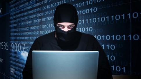 Nhà báo Việt Nam đã bị hacker theo dõi suốt 10 năm qua