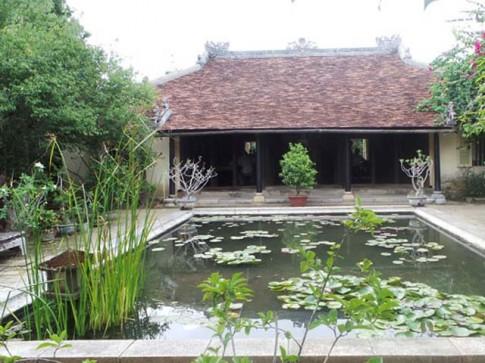 Nhà vườn Huế bên sông Hương