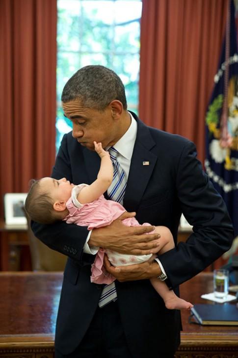 Những hình ảnh chứng minh tình yêu trẻ của Tổng thống Obama