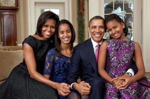 Những nguyên thủ quốc gia chỉ sinh con gái và cưng con hết mực