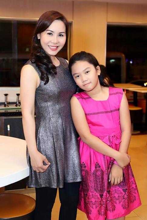 Nữ hoàng Kim Chi tự hào vì con gái ngoan, học giỏi