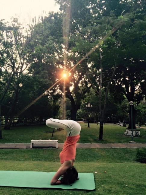 Nữ tiếp viên hàng không giữ dáng nhờ tập yoga mỗi ngày