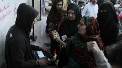 Pakistan: Xác minh 103 triệu SIM điện thoại bằng dấu vân tay