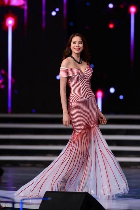 Phạm Thị Hương là tân Hoa hậu Hoàn vũ Việt Nam 2015