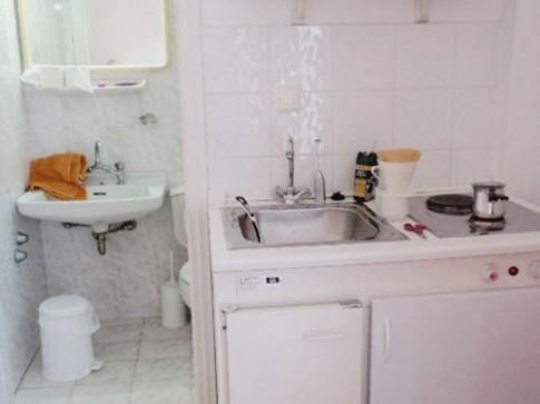 Phong thủy: Hóa giải phòng vệ sinh nhiễm bẩn sang khu bếp