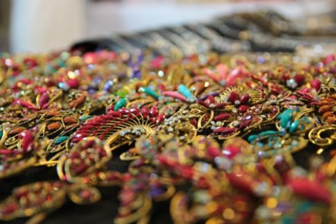 Phụ kiện thời trang phong phú tại hội chợ Thái Lan