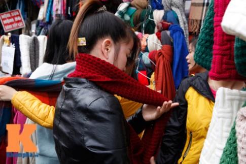 Sắm áo len mặc Tết chỉ với 40 ngàn đồng