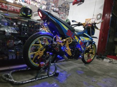 Satria F150 Fi độ lung linh với rất nhiều đồ chơi chất