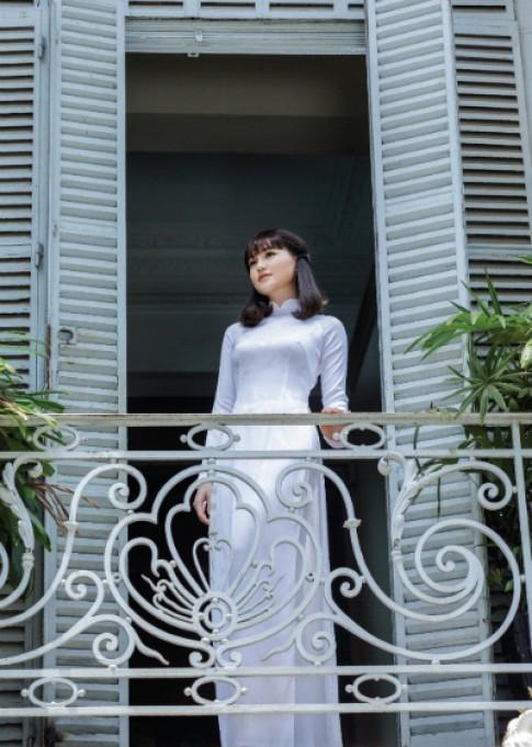Thái Tuấn ra mắt BST áo dài nữ sinh