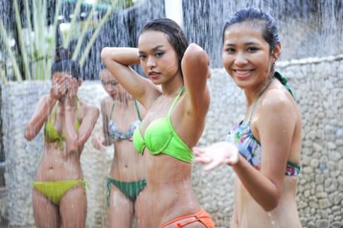 Thân hình gợi cảm của 4 nàng vận động viên thi hoa hậu