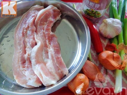 Thịt heo xóc tỏi đậm đà, ngon cơm