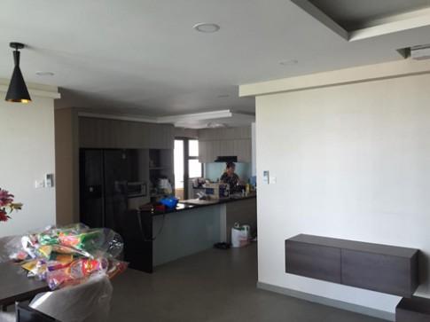 Tuấn Hưng rạng rỡ khoe chung cư sang mới tậu tại Sài Gòn