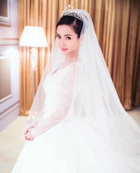 Váy tiền tỷ của Angelababy bị nhái, bán siêu rẻ