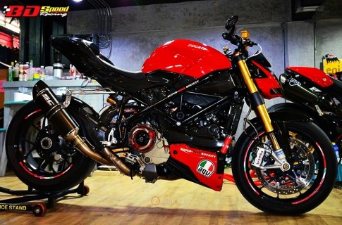 Ve dep hut hon cua Ducati Streetfighter 1098S trong ban do cuc chat