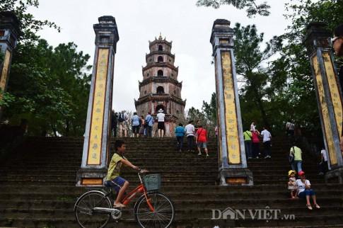 Vẻ đẹp kiến trúc tháp Phước Duyên và chùa Linh Mụ