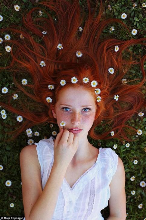 Vẻ đẹp thiên thần của các thiếu nữ có làn da tì vết