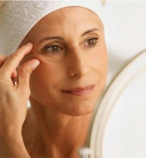 10 mẹo hay loại bỏ nếp nhăn quanh mắt