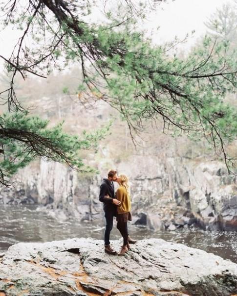 """5 lý do người nội tâm làm chuyện """"yêu"""" giỏi hơn"""