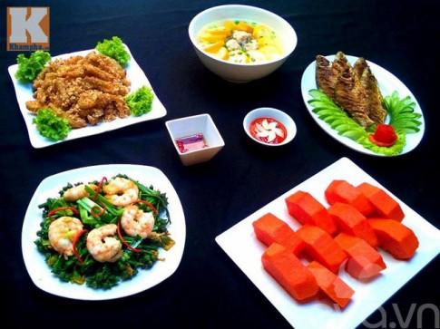 Bữa ăn chiều nhiều món mà ngon