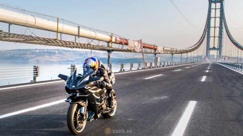 [Clip] Choáng ngợp với tốc độ kỷ lục 400 km/h trên Kawasaki Ninja H2R