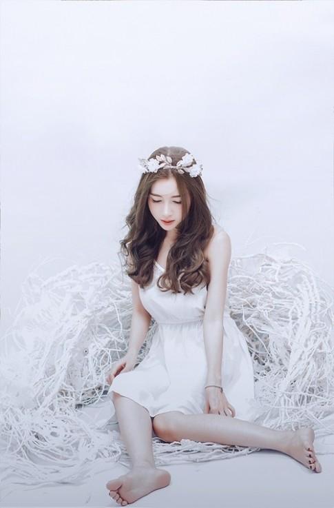 Elly Trần không mặc hở vẫn đẹp lung linh