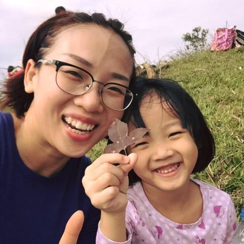 Eo nổi múi cơ của bà mẹ Hà Nội 2 con từng nặng 63kg