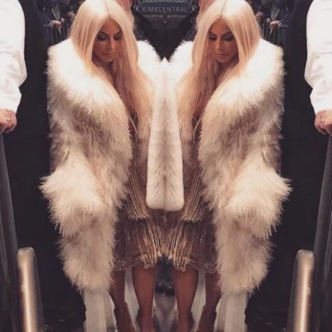 Gia đình Kardashian thống trị New York với show của Kanye West