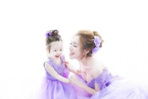 Hai mỹ nhân Việt nổi như cồn nhờ con xinh đẹp