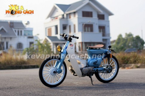 Honda Cub đời 79 độ chất với phong cách Bobber